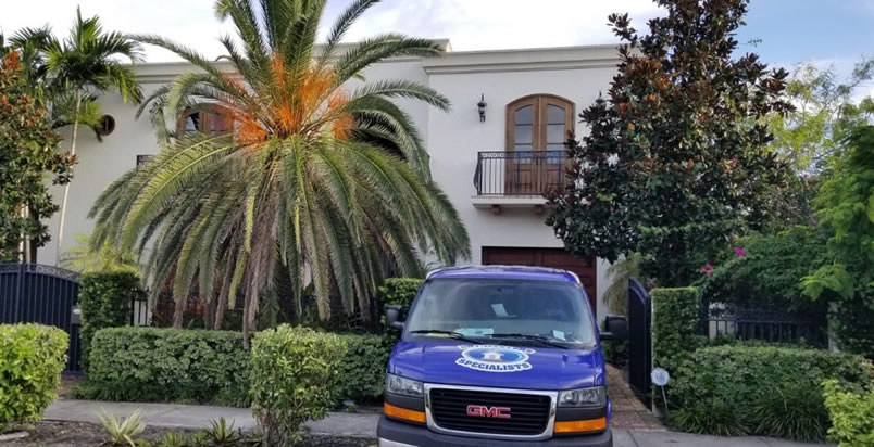 Boca Raton fire damage restoration technicians near you